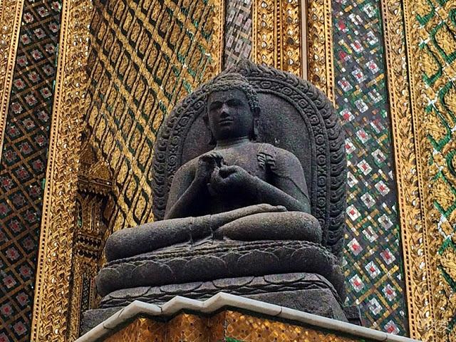 buddha statue grand palace Bangkok