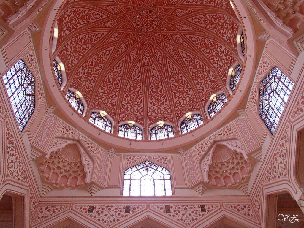 putra mosque best things to do kuala lumpur